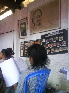 20091025 pelatihan menulis kreatif @ kuwera (11)