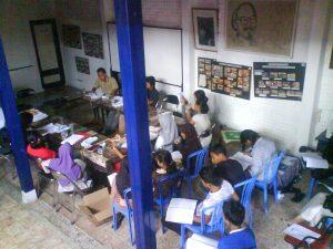 20091025 pelatihan menulis kreatif @ kuwera (4)